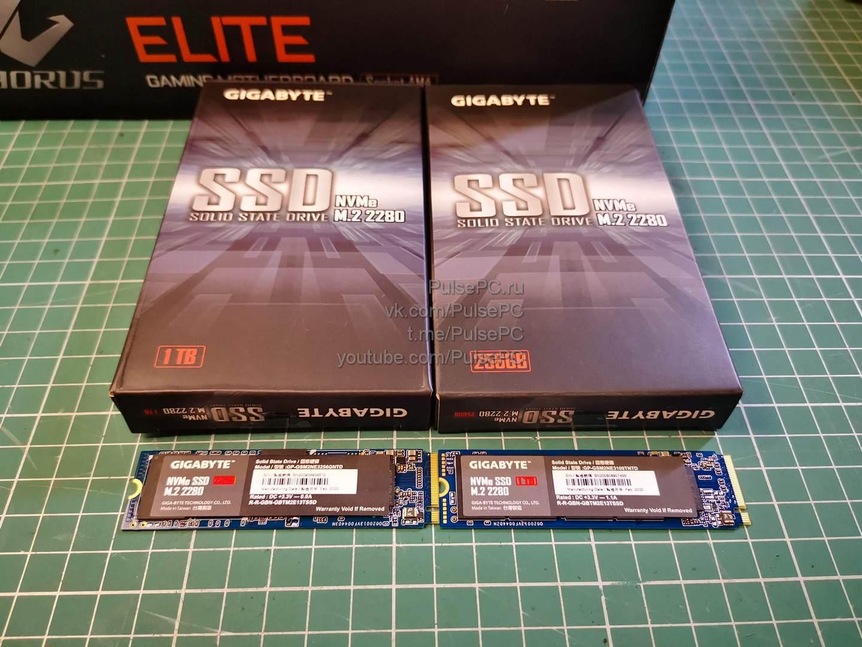 Два SSD-накопителя